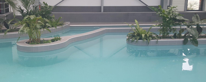 Réalisation d'un carrelage de piscine par Barbeau Carrelage, carreleur en Vendée (secteur La Roche sur Yon et Coëx)